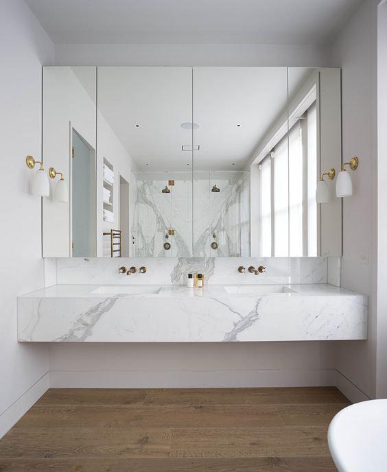 6 идей, как сэкономить на плитке в ванной комнате