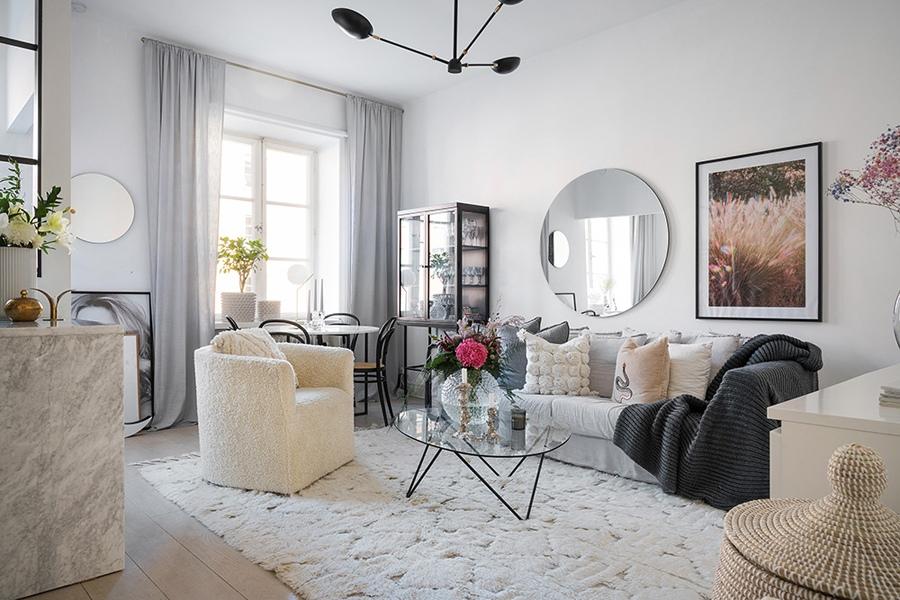 Светлый скандинавский интерьер квартиры студии площадью 35 кв м, который просто повторить