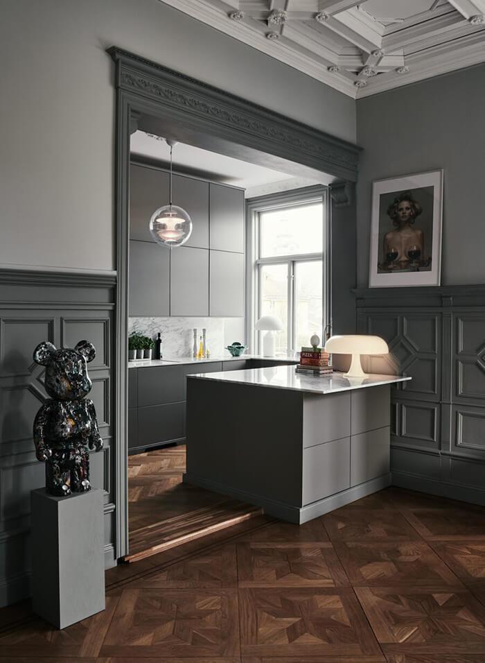 Элегантность по-скандинавски: монохромный интерьер дома в изысканном скандинавском стиле