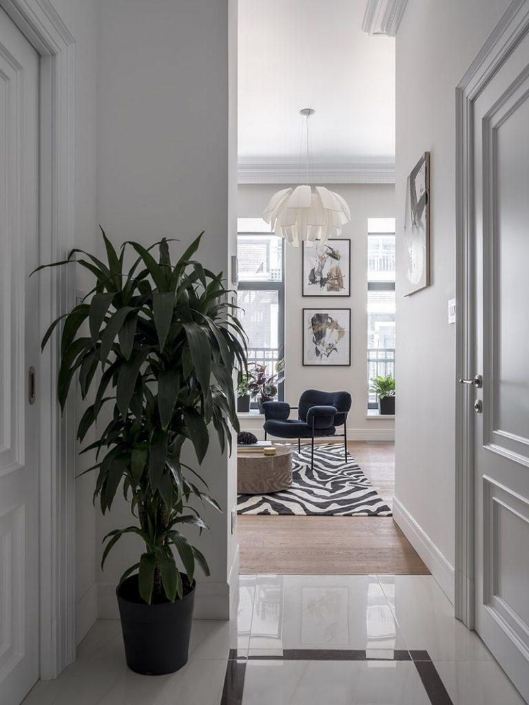 Модный интерьер квартиры площадью 36 кв м с откидной кроватью
