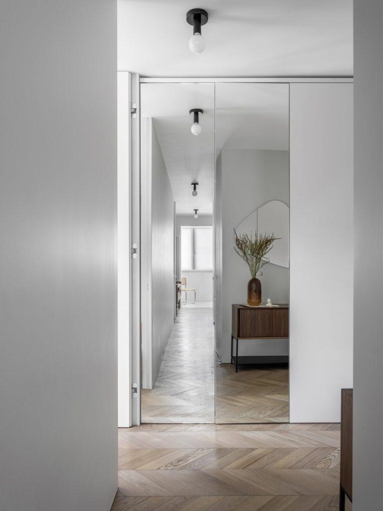 Белый современный интерьер квартиры площадью 45 м²