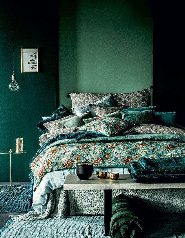 Тренд в интерьере спальни: постельное белье с цветочным принтом