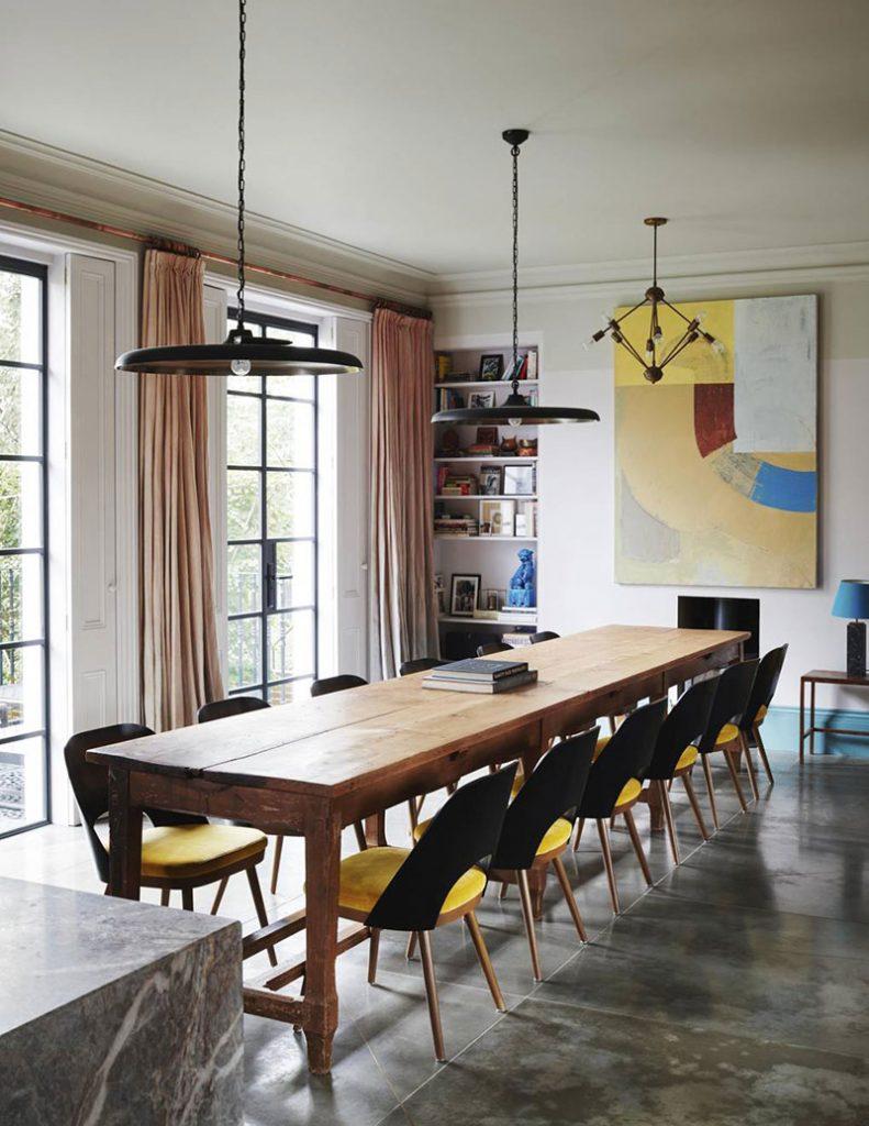 В качестве вдохновения: игра цвета и викторианский стиль в современном интерьере дома в Лондоне