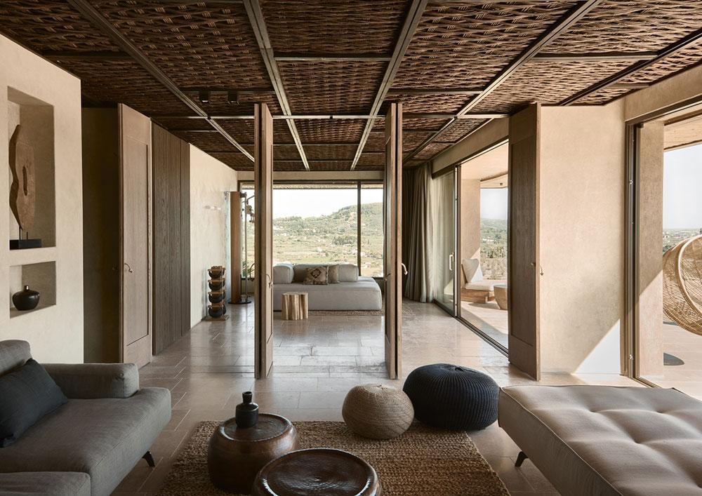 Вдохновение странствиями: песчаная палитра интерьеров отеля Olea All Suite на греческом острове Закинф