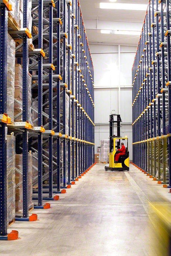 Необходимая составляющая современного склада: складские рохли